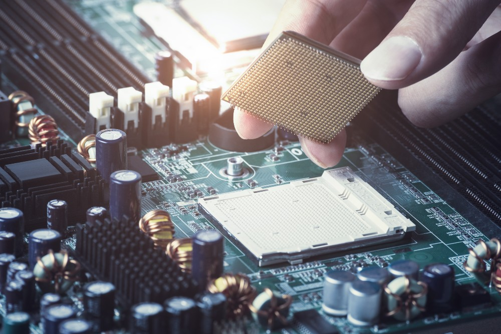 What Is the Difference Between SMT, SMD, and Through-Hole?